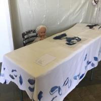 installation Grandir, poupée,objets, gravure, photographie et texte